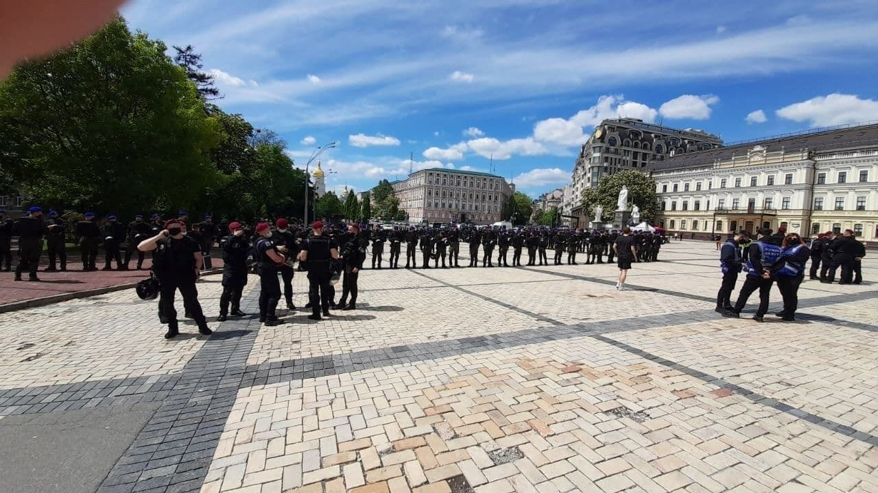 В Киеве дежурит полиция.