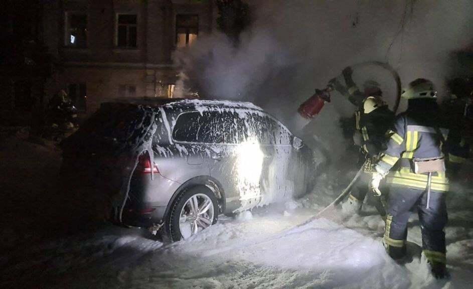 Позашляховик Влада Антонова підпалив 22-річний уродженець Сумської області.