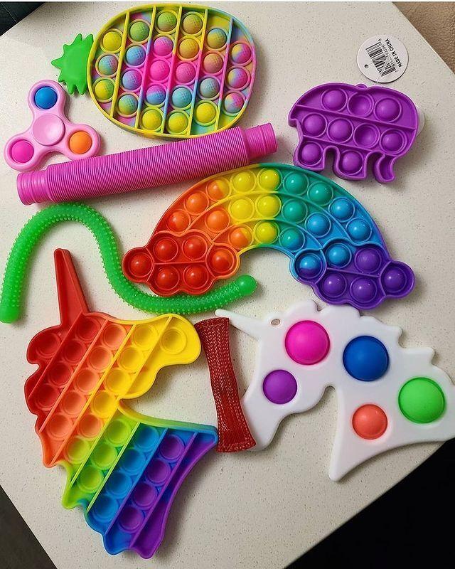 Сімпл-дімпл – іграшка з силікону, що містить кілька опукло-увігнутих частин