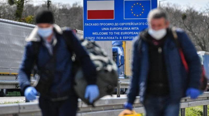 Скільки українські заробітчани отримують у Польщі
