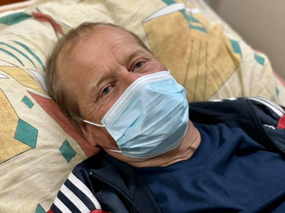 Пациент, которому провели трансплантацию