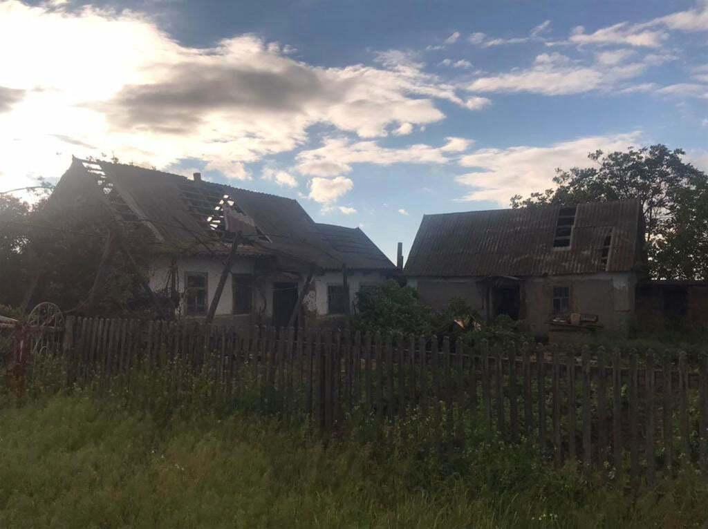 Дома, которые пострадали от сильного ветра