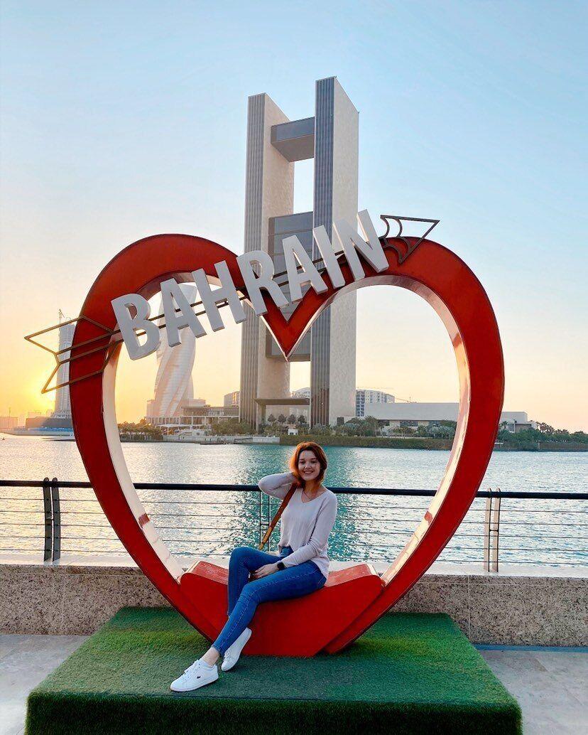 Эмигрантка Маричка работает стюардессой в Бахрейне