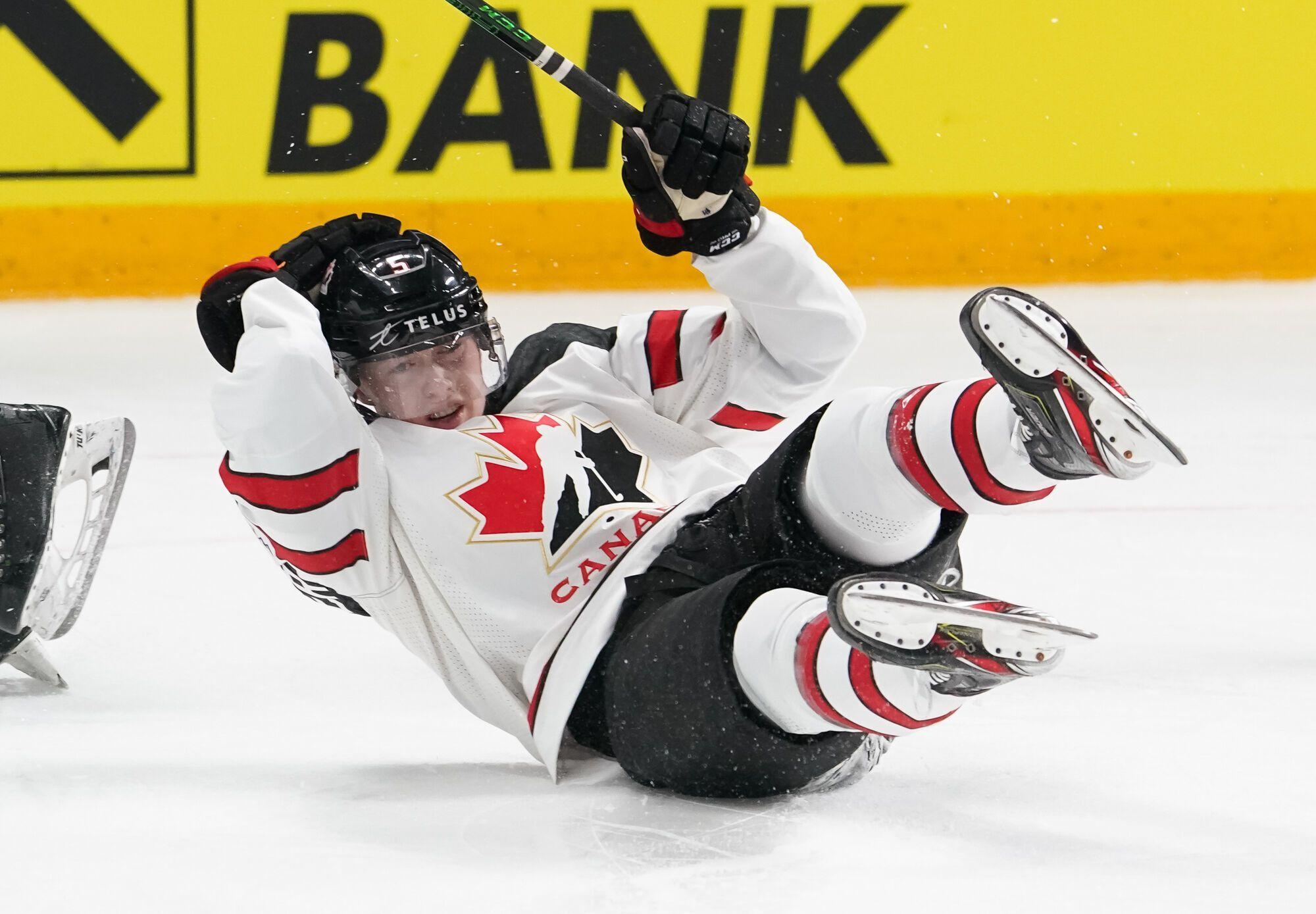 Канадці вперше програли три перші матчі на ЧС.