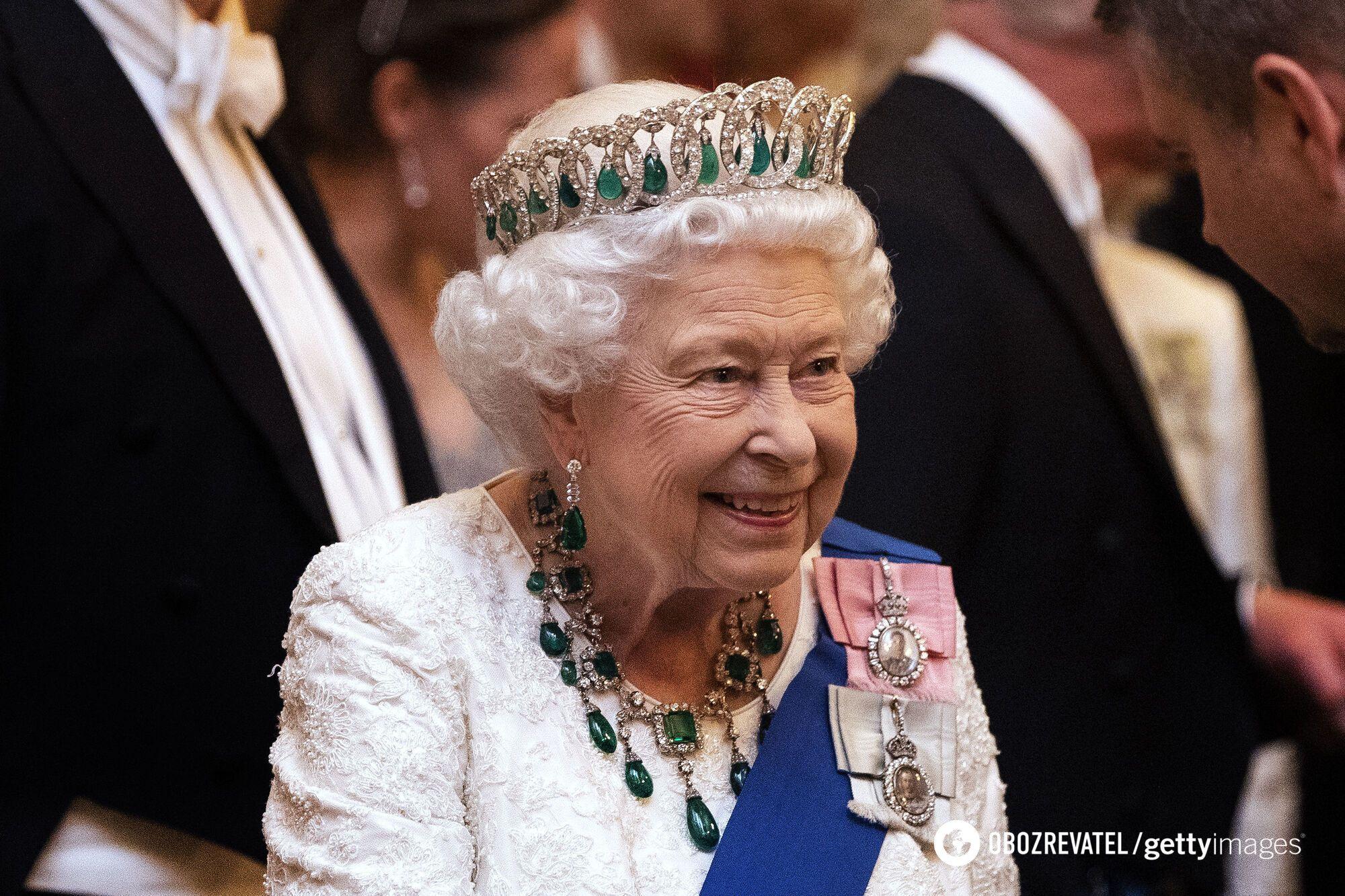 Елизавета официально стала королевой в возрасте 27 лет