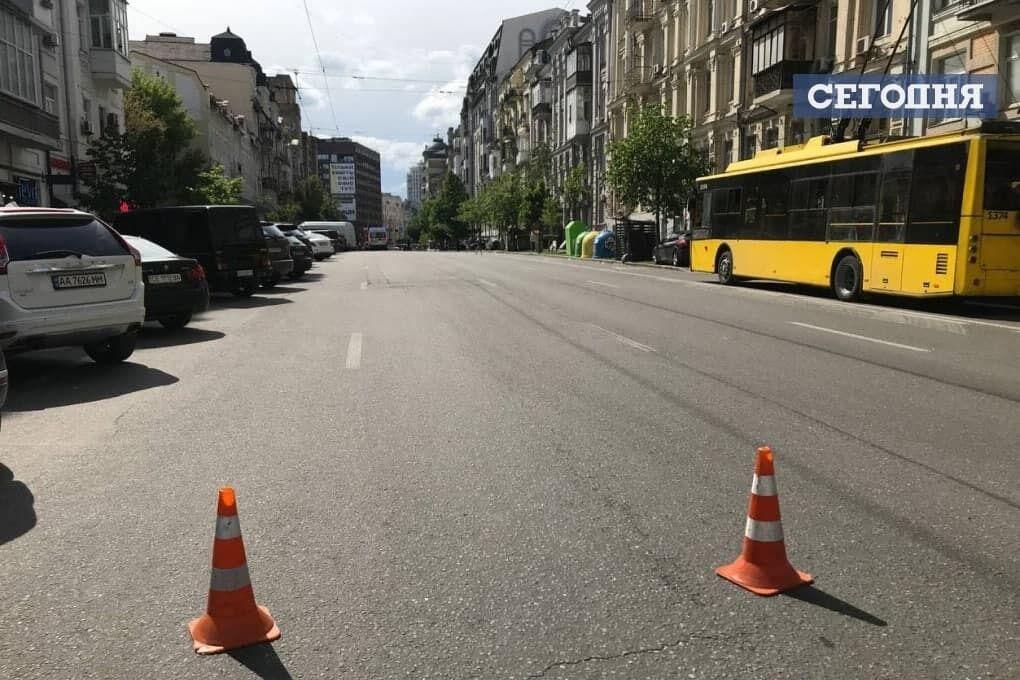Частину вулиці Саксаганського перекрито.