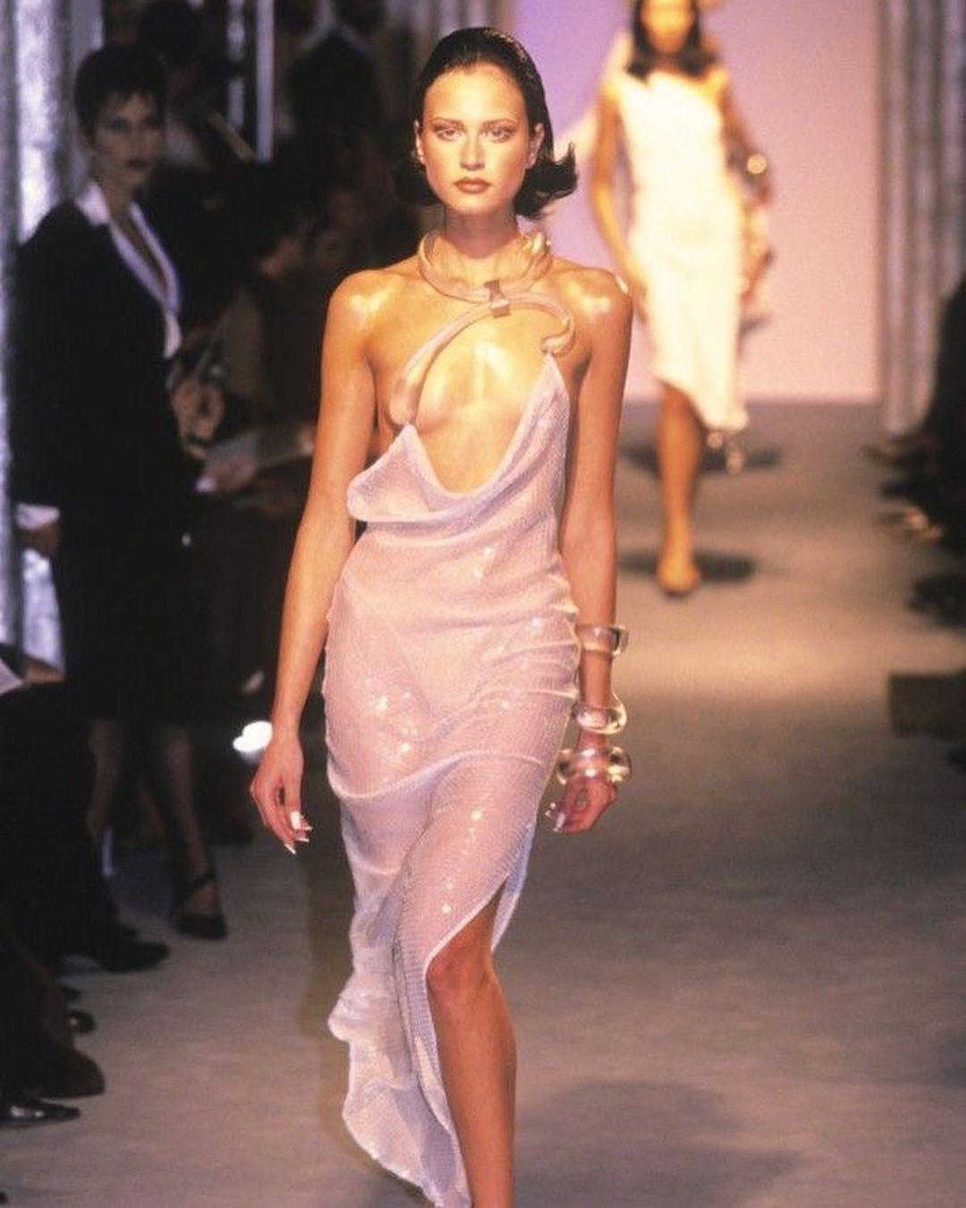 Відверті сукні у 1998 році