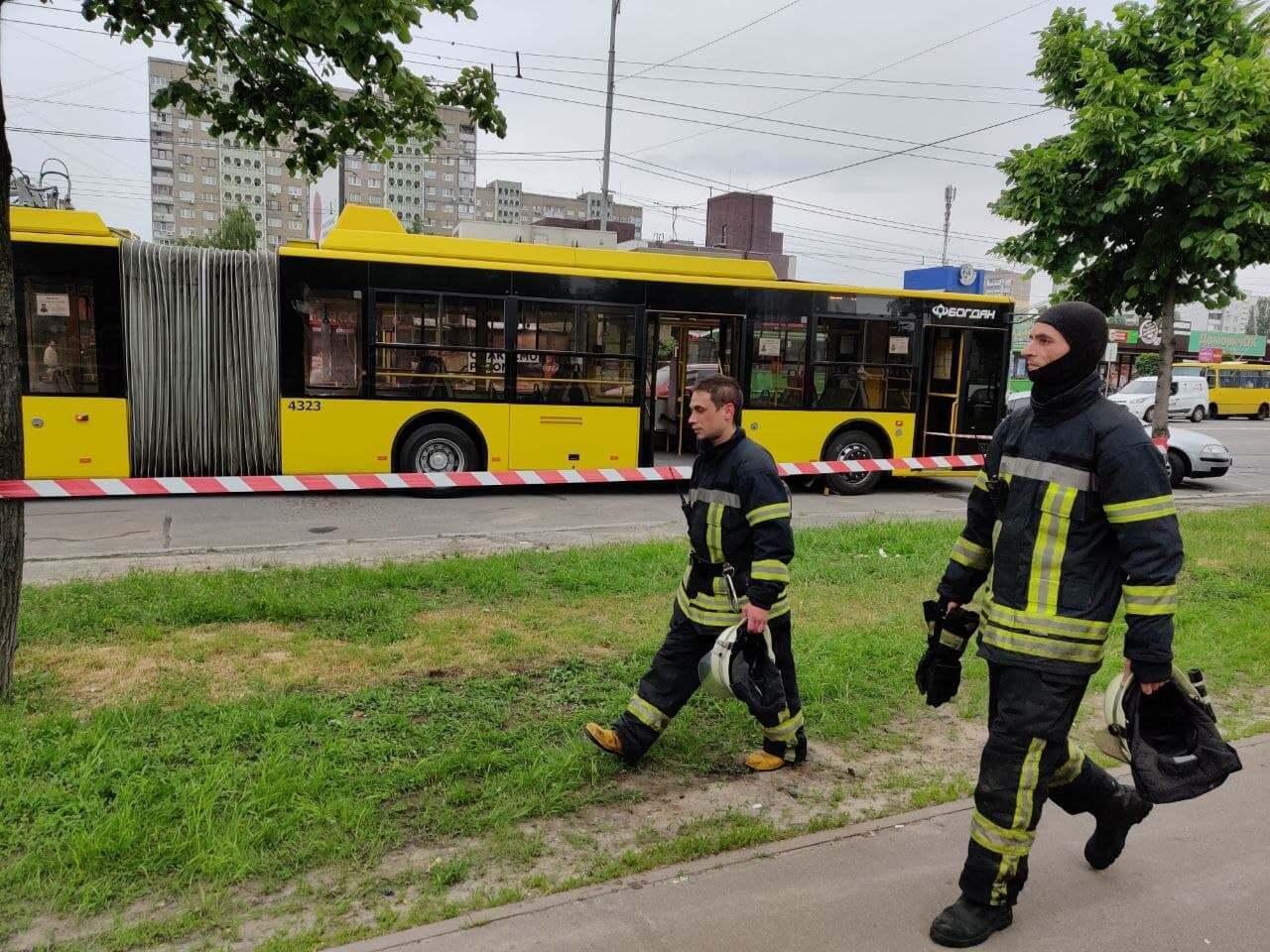 Возгорание потушили с помощью огнетушителей.