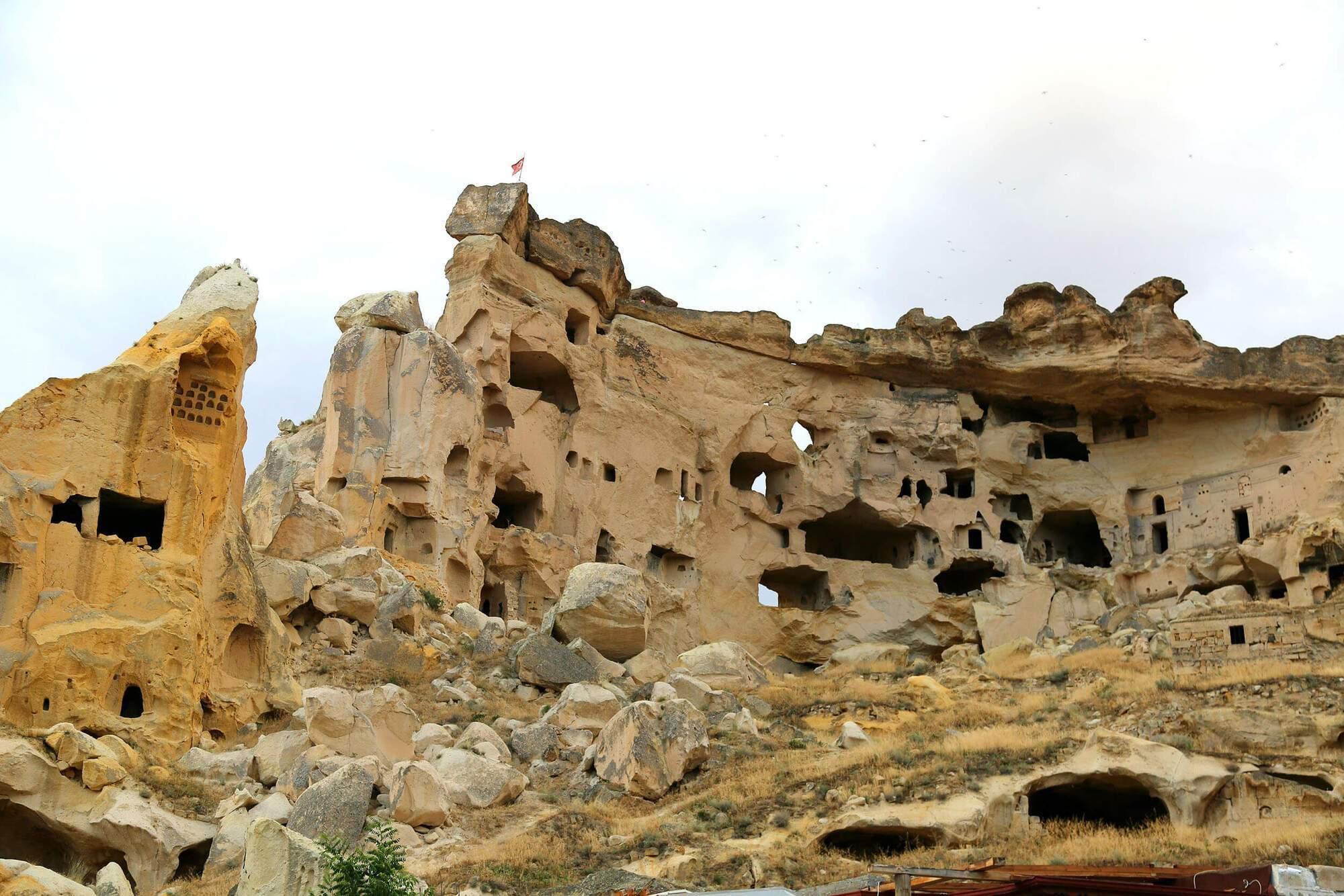 Самый большой и значимый для истории древний город Каппадокии – подземный город Деринкую