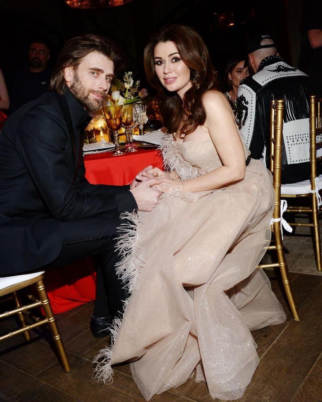 Анастасія Заворотнюк із чоловіком Петром Чернишовим.