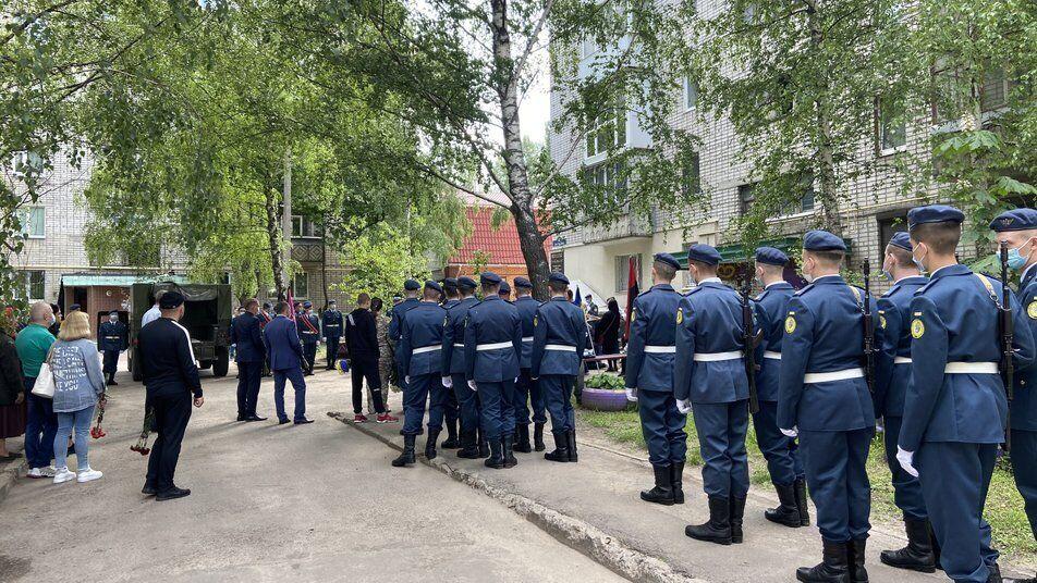 Церемония прощания с воином ВСУ, который погиб на пожаре