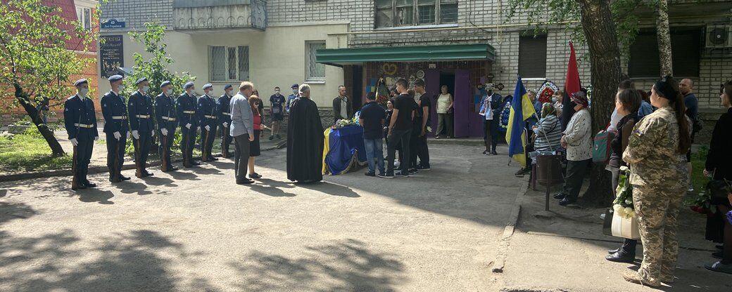 Священники отслужили панихиду по погибшему воину ВСУ
