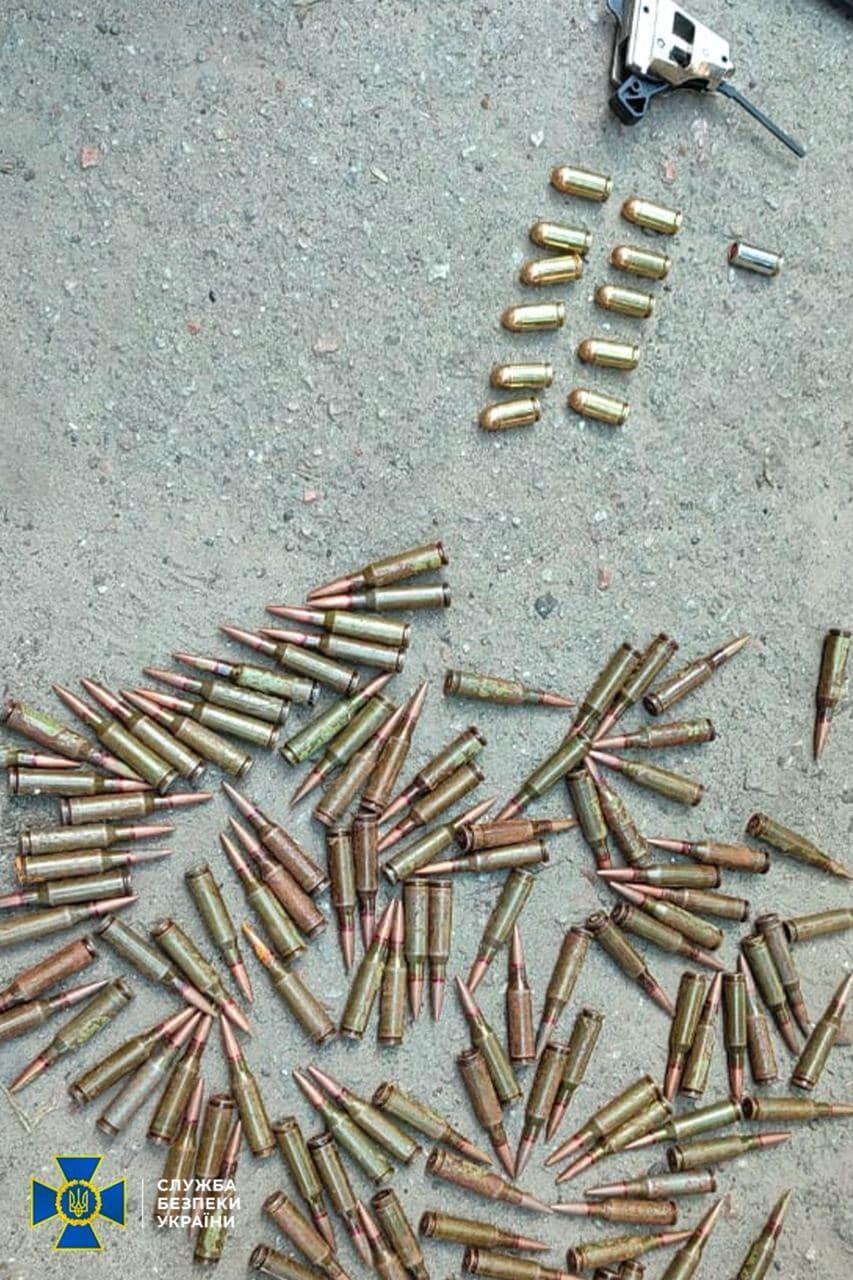 Під час обшуків у нагвардійця знайшли набої різного калібру.