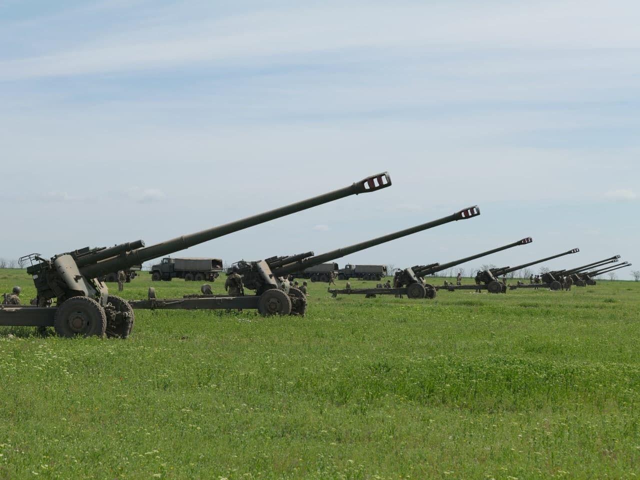 Артилеристи ЗСУ провели навчальні стрільби на півдні України