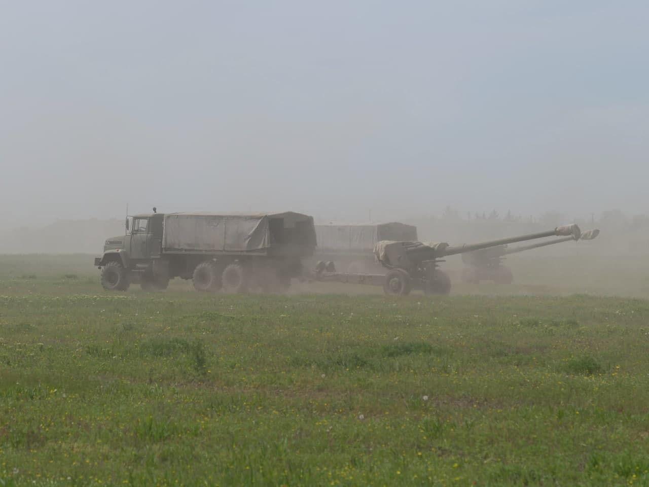 Артилерійські маневри ЗСУ біля адмінкордону з окупованим Кримом