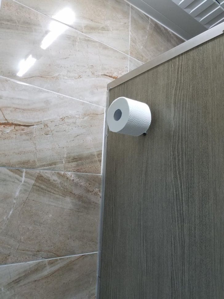 Туалетная бумага достанется самым высоким.