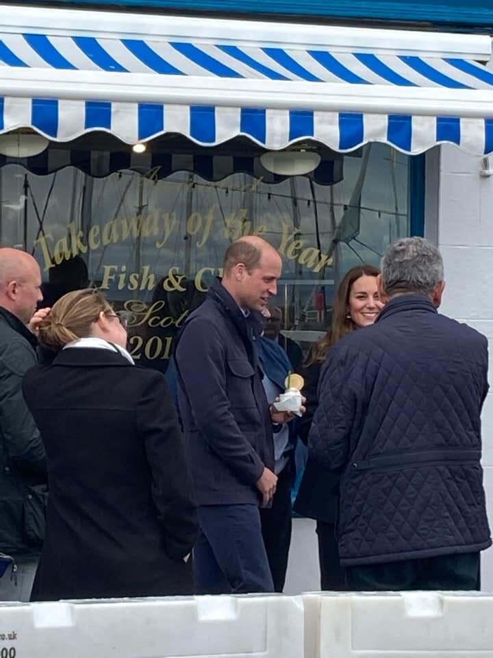 Королівська пара замовила в барі морозиво