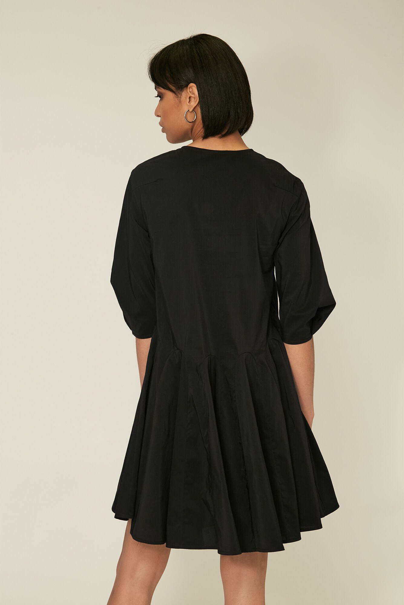 Андре Тан продемонстрировал модное платье на лето 2021
