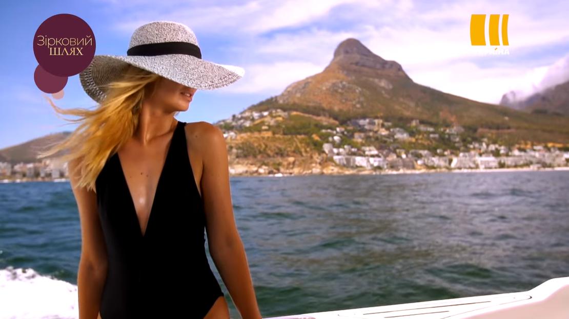 Модницам не стоит забывать о вечной классике – черно-белых купальниках