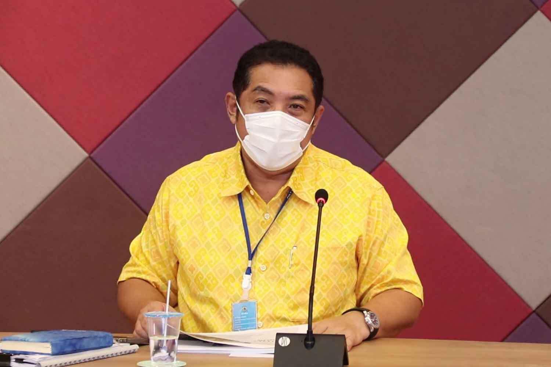 Мэр Паттайи Сонтайя Кунплом на пресс-конференции.