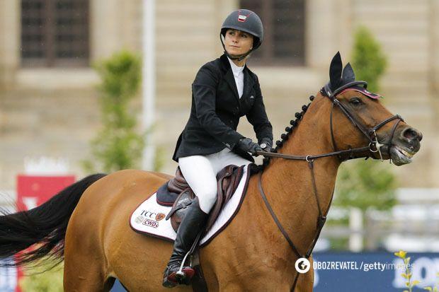 Джорджина, как и старшая дочь Гейтса, посвятила свою жизнь конному спорту.