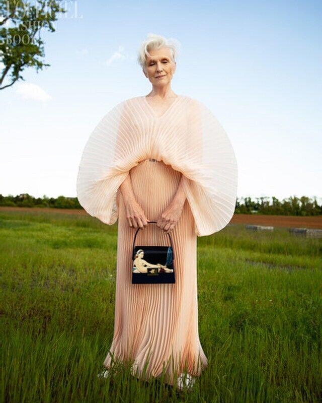 Мей Маск в сукні від J'amemme