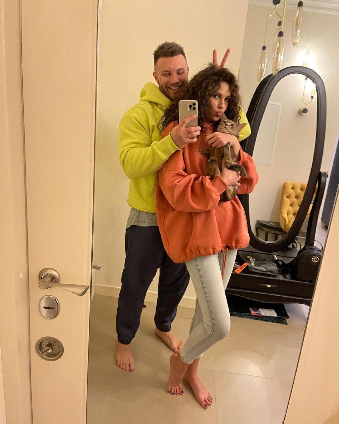 Пара живет вместе в Киеве