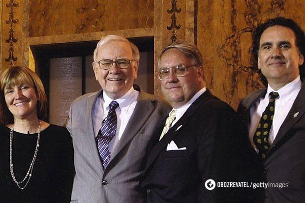 Уоррен Баффет со своими детьми: Сьюзан, Говардом и Питером