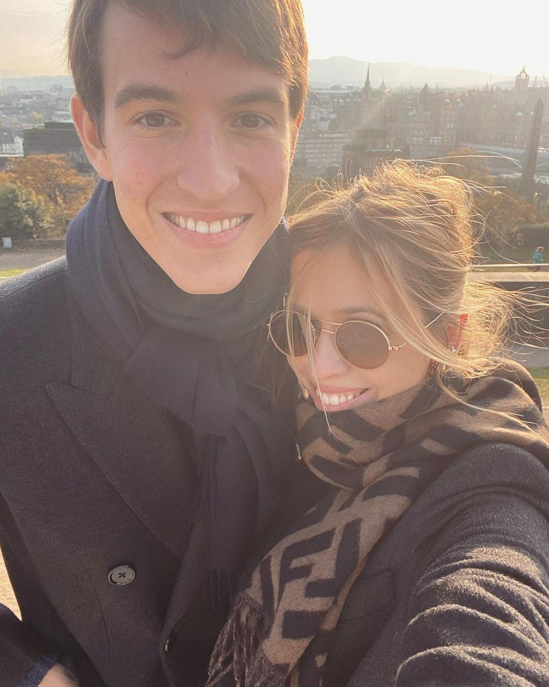 Александр Арно в 2020 году сделал предложение руки и сердца своей возлюбленной Жеральдин Гюйон