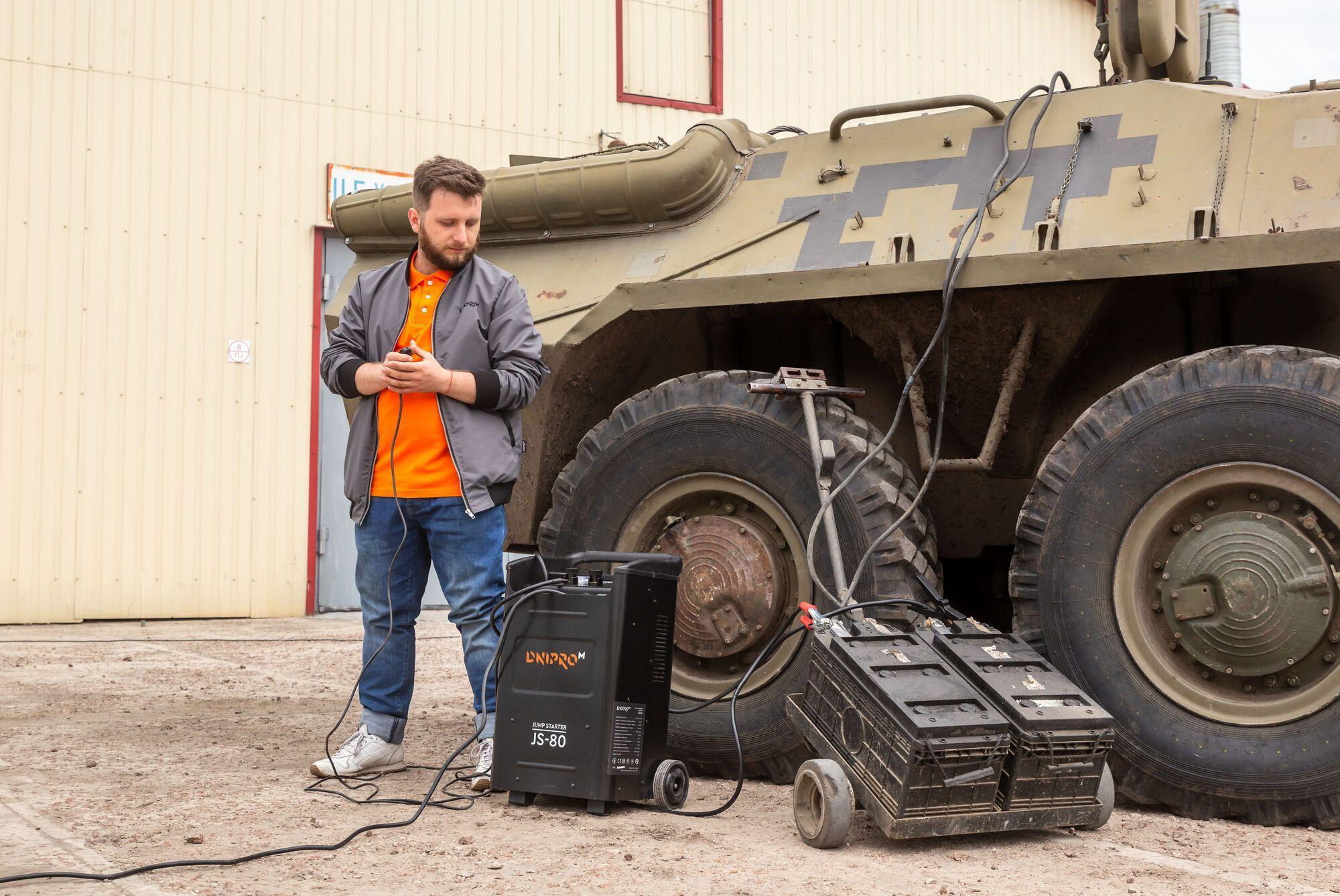 Украинский производитель устроил краш-тест с БТРом