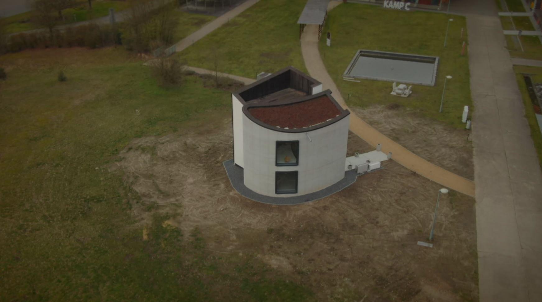 В Бельгии на 3D-принтере напечатали первый в мире цельный бетонный дом