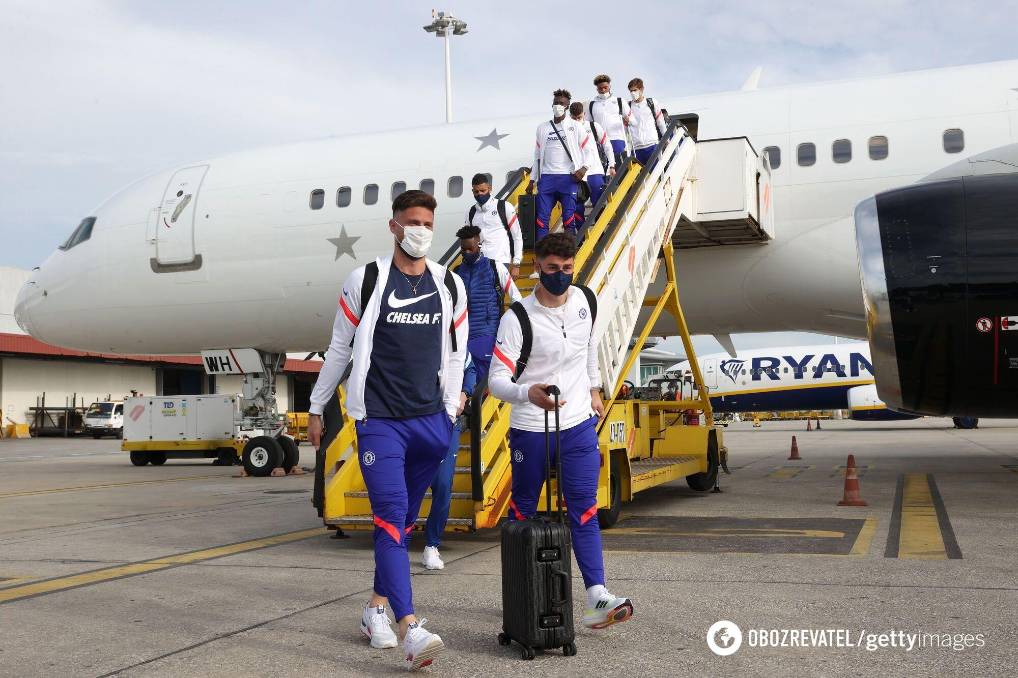 """Гравці """"Челсі"""" прибули до Португалії."""
