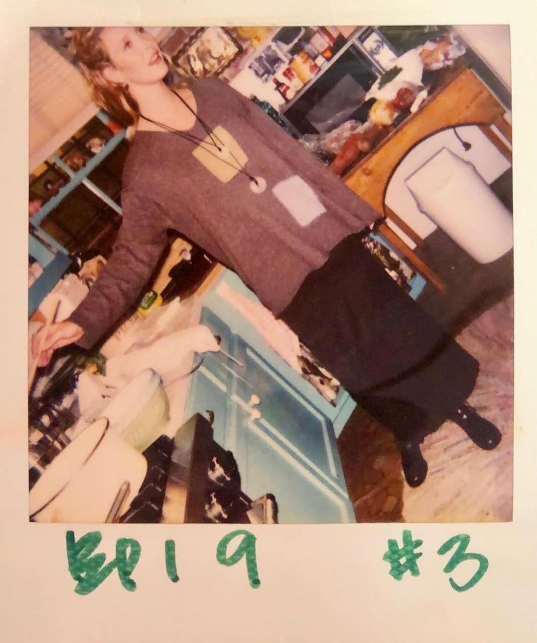 Фиби Буфе на съемках сериала