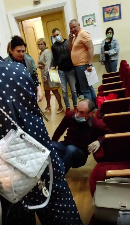 Мужчину снесли с ног