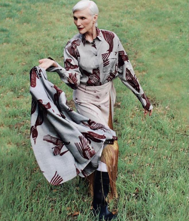 Мей Маск позує в стильному вбранні