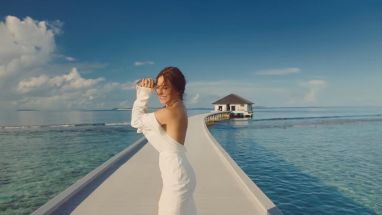 """Ані Лорак у новому кліпі на пісню """"Раздетая"""""""