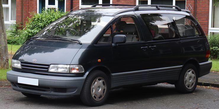 Toyota Previa – очень необычный, но крутой минивэн