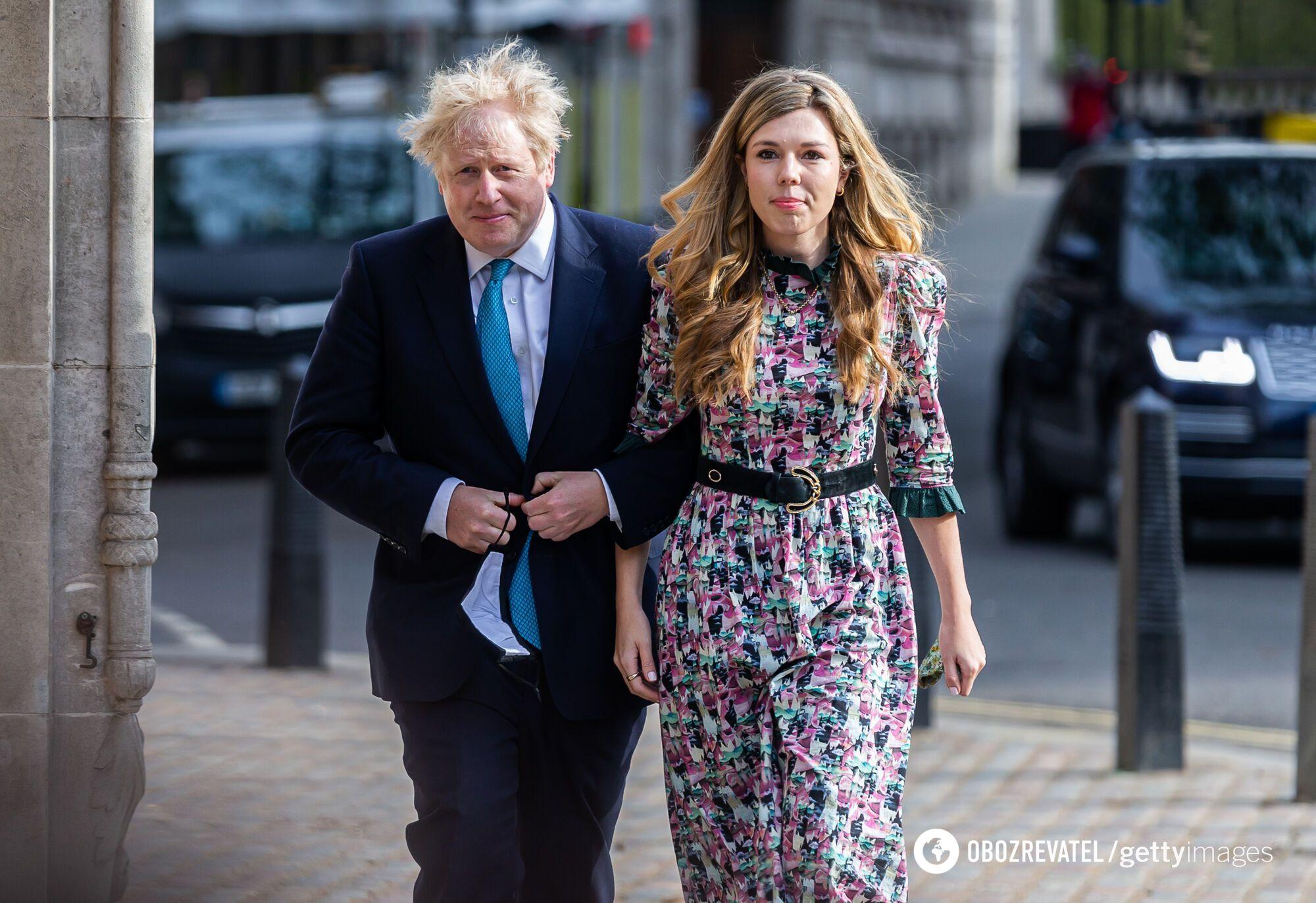 Борис Джонсон женился на молодой подруге.