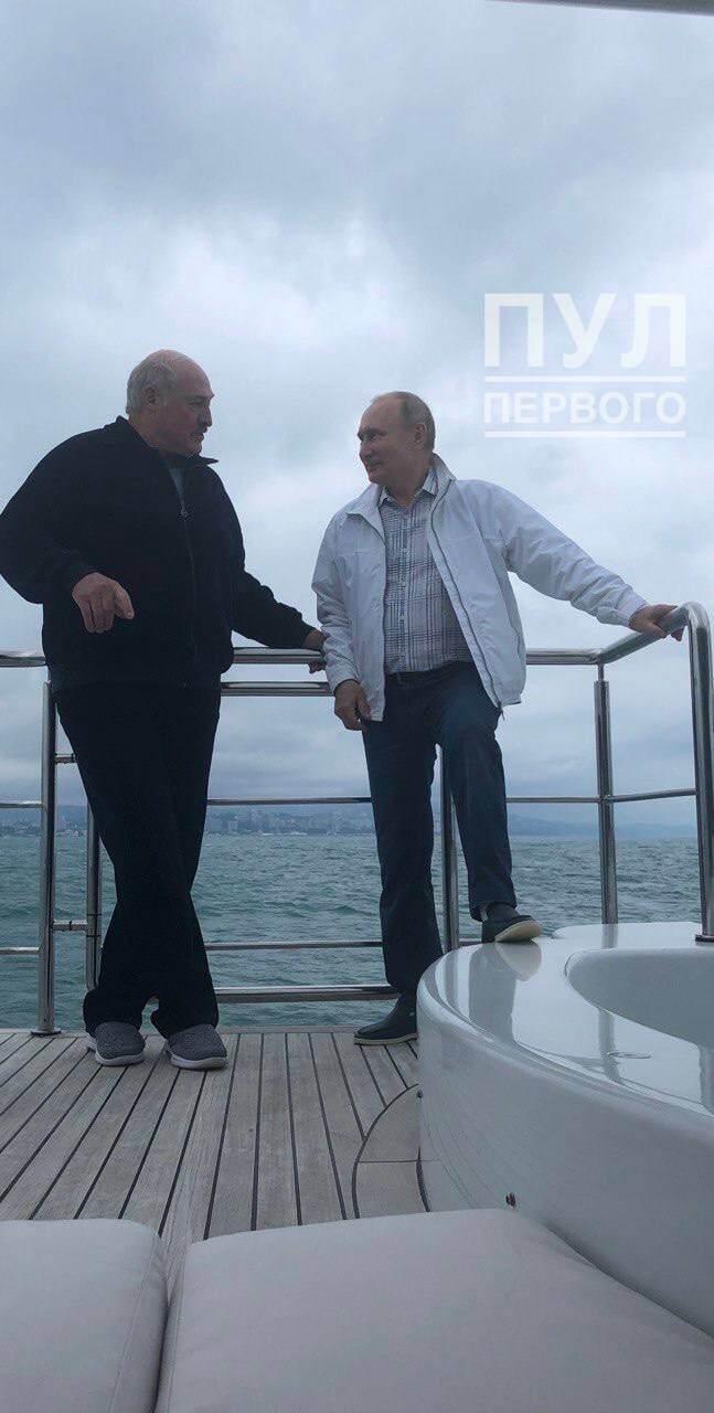 Путин и Лукашенко встретились на яхте.
