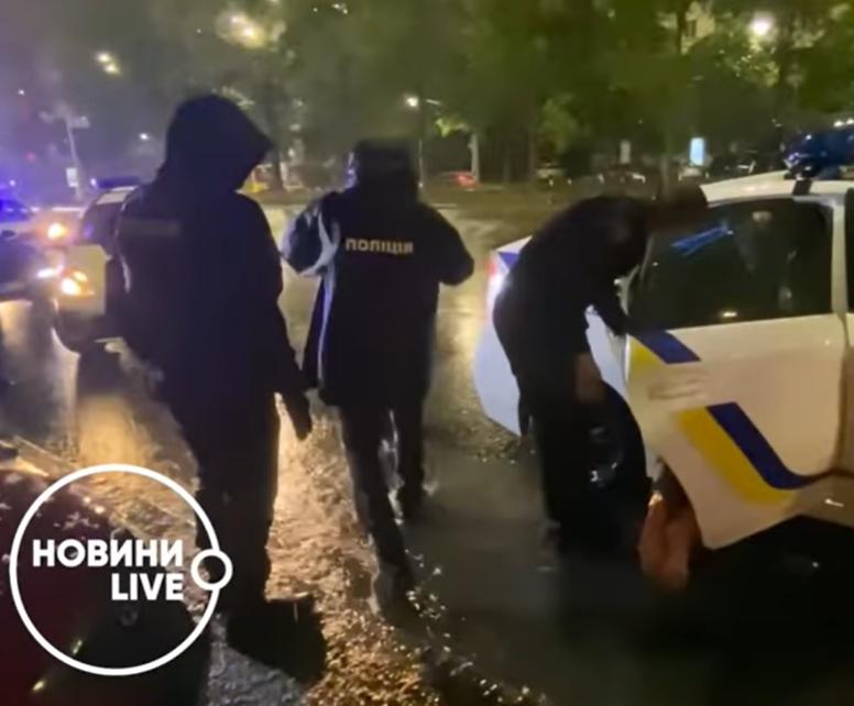 Шевчук чинив опір поліції.