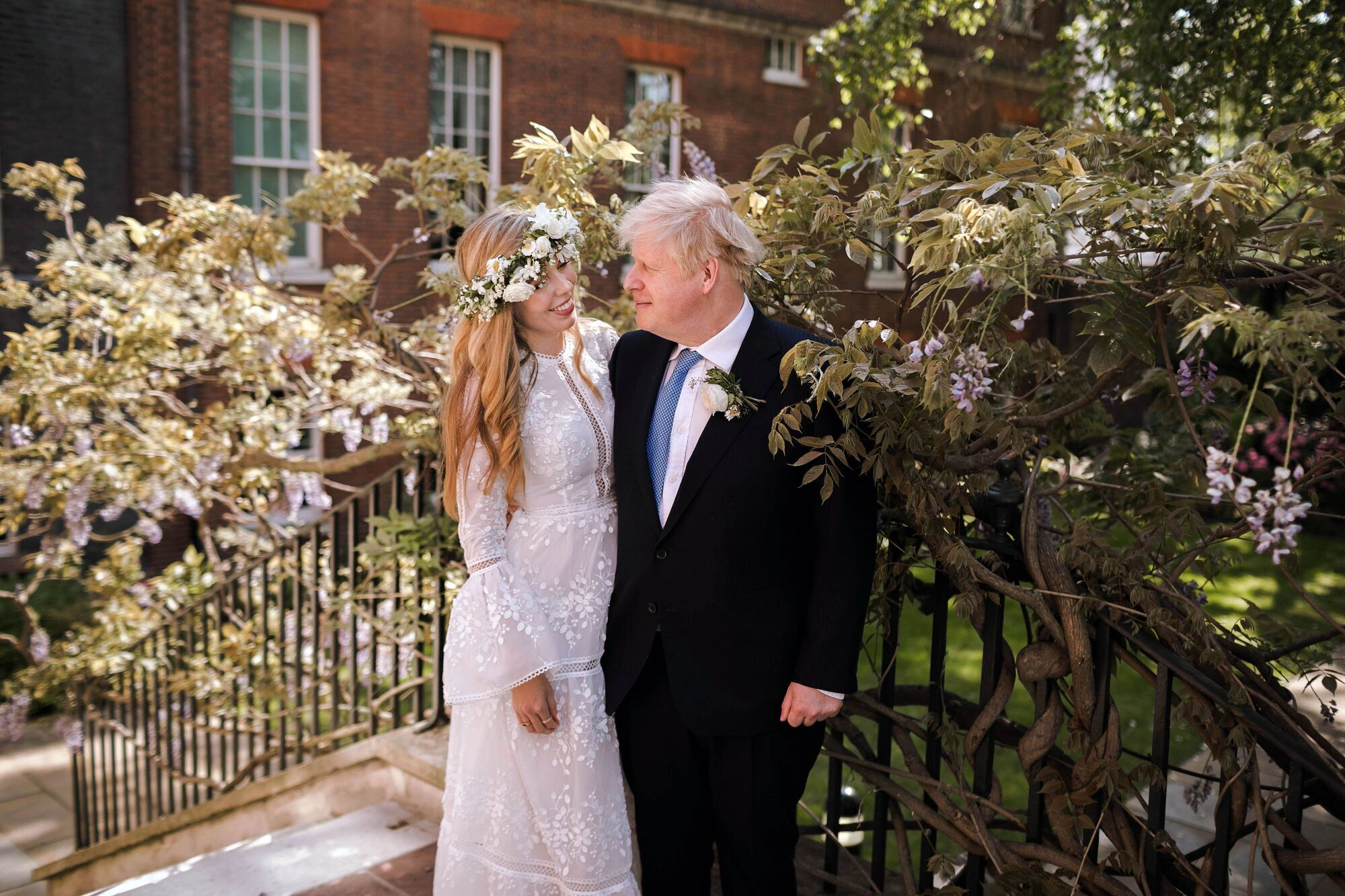 Тайная свадьба Джонсона и Саймондс.