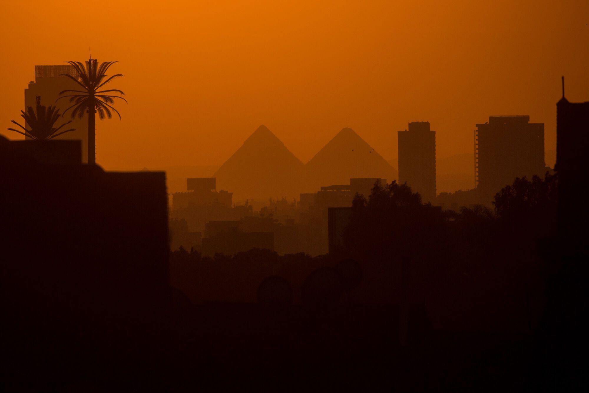 Вид на піраміди з Каїра