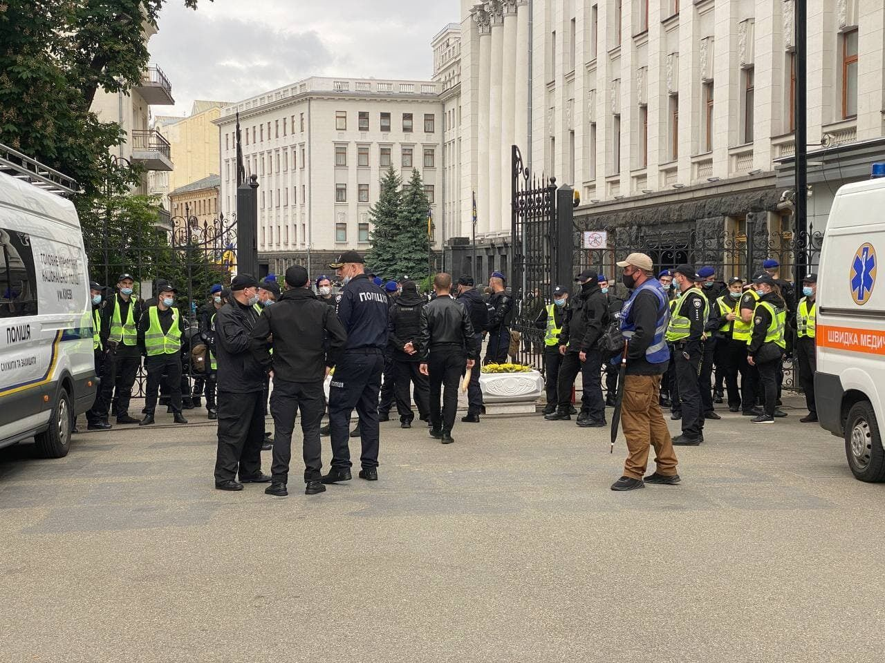 Дежурит полиция и Нацгвардия