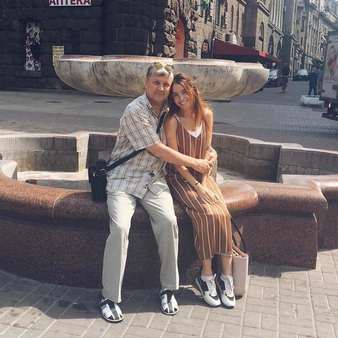 Надя Дорофеева с отцом Владимиром (архивное фото)
