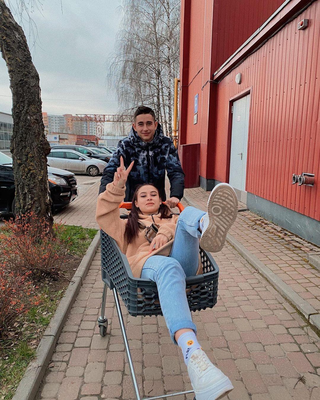 Роман Сасанчин вместе со своей возлюбленной Анной