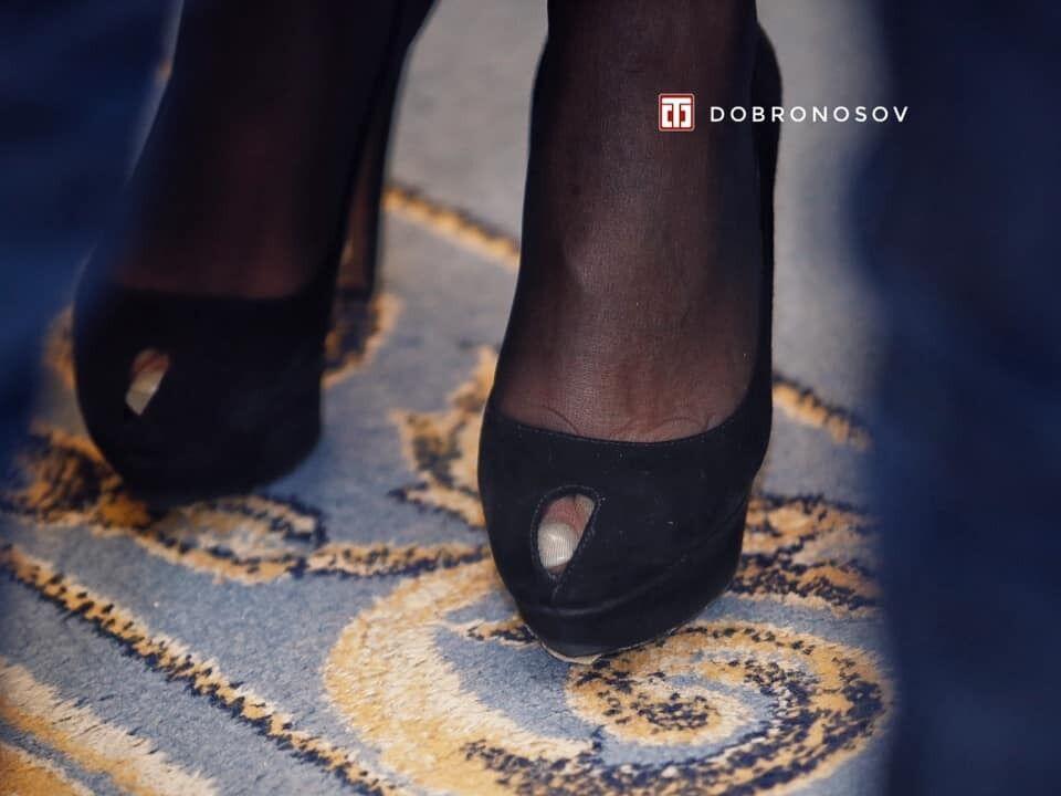 Тимошенко пришла в Раду в туфлях на высоком каблуке