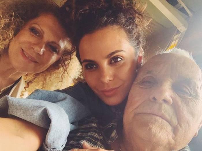 Певица Настя Каменских с мамой и отцом