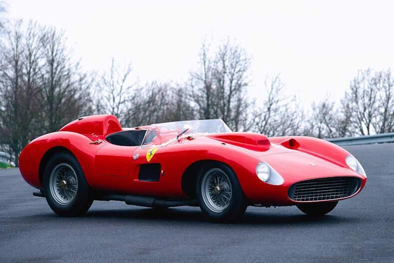 Ferrari 335 Scaglietti имеет 390 лошадиных сил