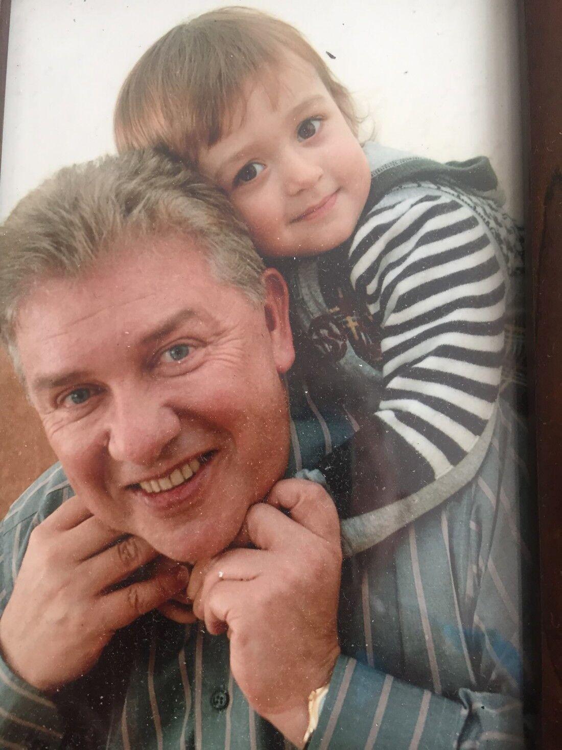 Архівне фото Олега Філімонова з онуком