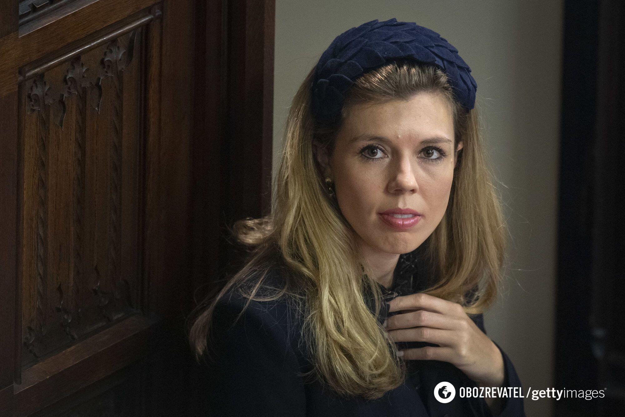 Кэрри Саймондс работала у министра внутренних дел Саджида Давида